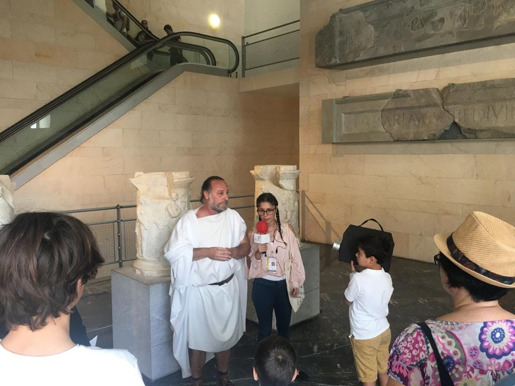 Romanos por el mundo