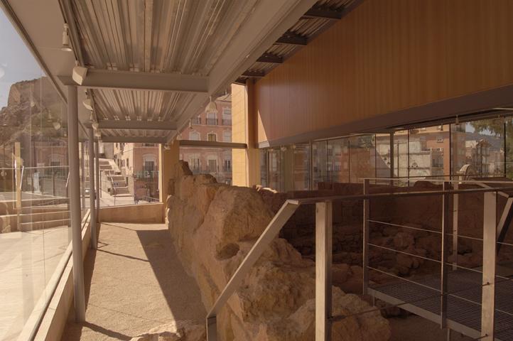 NOCHE DE LOS MUSEOS. MURALLA PUNICA. HORARIO CON SERVICIO DE VISITA GUIADA 10:30
